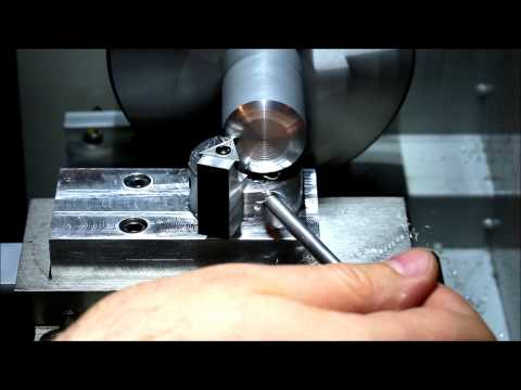 How to set up and use a radius turning tool