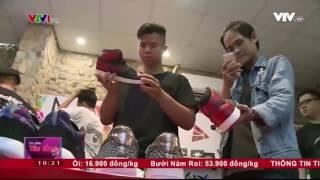 Giới Trẻ Hào Hứng Với Phong Trào Độ Giày Thể Thao | VTV24