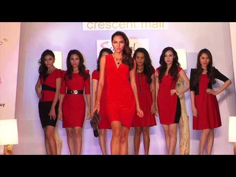 Fashion Show Sensorial tại Crescent Mall