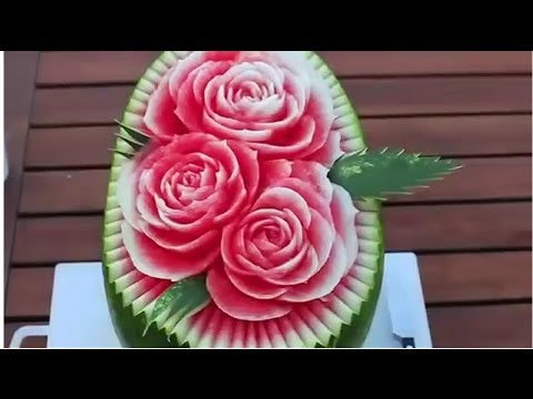 Making Flowers Of Cutting Watermelon