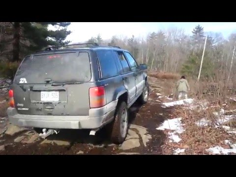 "1998-jeep-grand-cherokee-(zj)---open-diffs-and-2""-lift-on-31's"