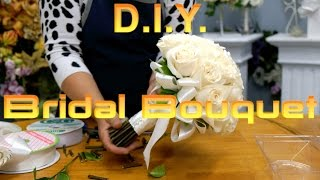 How to arrange a rose bridal bouquet with jasmine
