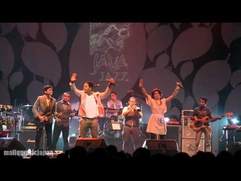 Maliq & D'essentials - Dia ~ Untitled ~ Menari @ JJF 2013 [HD]