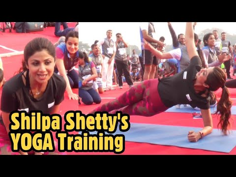 Shilpa Shetty's YOGA Lessons in Guinness World Record