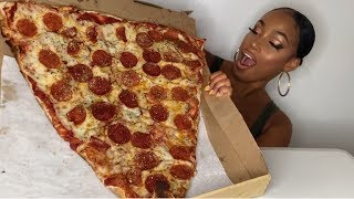 WORLD'S LARGEST PIZZA SLICE!!!!! NYC STYLE PIZZA