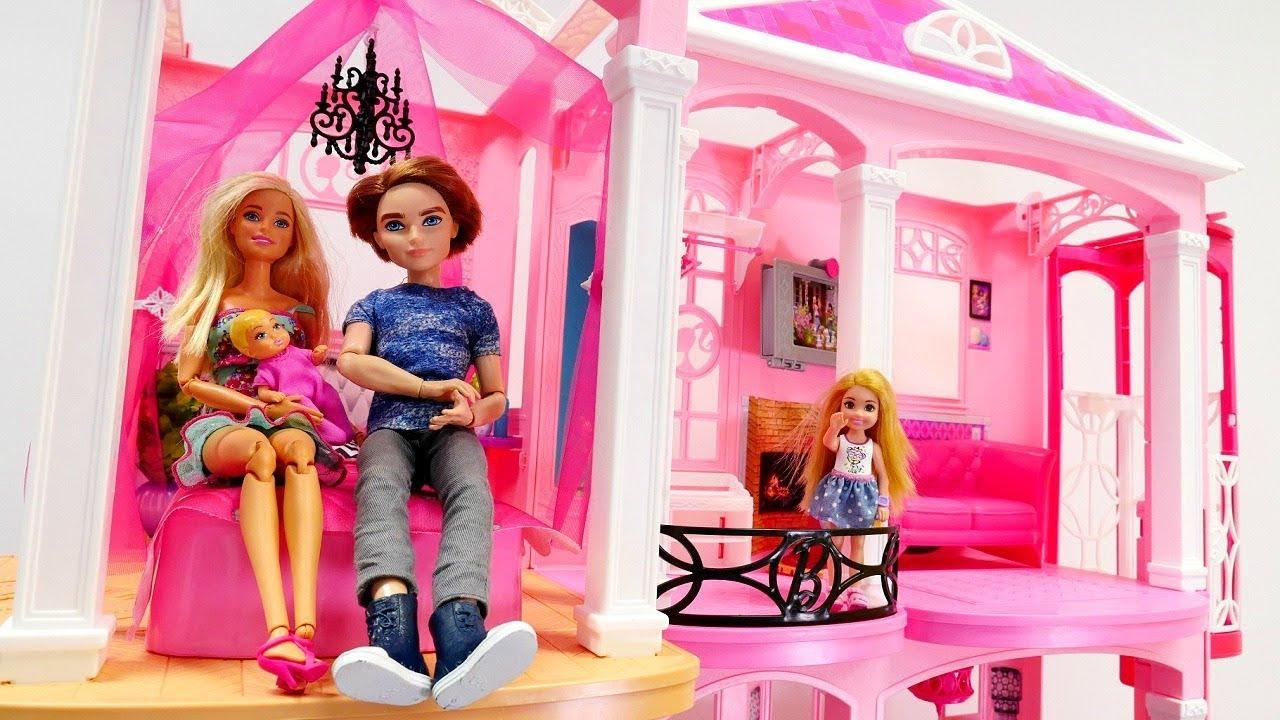 Juguetes de barbie la casa de mu ecas v deos para ni as youtube - La casa de barbie de juguete ...