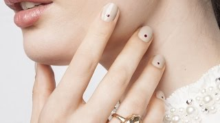 Simple + Sophisticated Dot Manicure | Pretty Woman