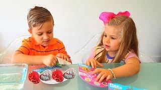 Рома и Диана открывают Игрушки Fizz'n Surprise