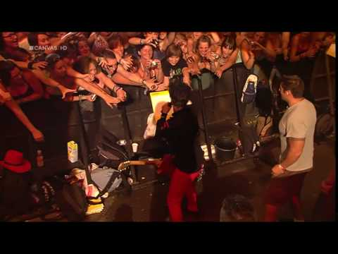 Green Day - Know Your Enemy Live At Rock Werchter 2010 HD