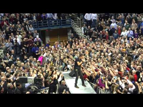 Tenth Avenue Freeze-Out, Bruce Springsteen, BMO Harris Bradley Center, Milwaukee, 3/3/16