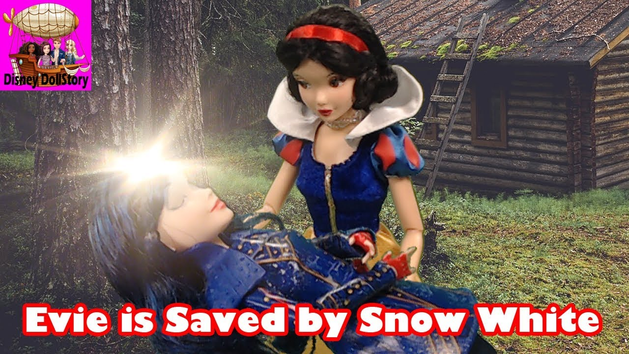 Evie is Saved by Snow White - Part 52 - Descendants in Avalor Disney