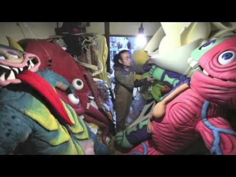 """Tokyo's """"Giant Monster Bar"""" in The Japan News"""