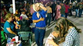 A Miguelito le da el dolor del caballo de tanto bailar