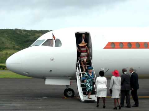 Queen Beatrix arrives on St Eustatius