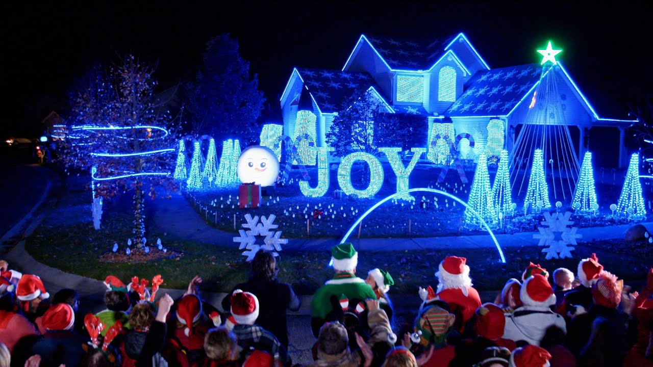 Christmas Lights Fight 2020 Nagy Family's Animated Light Show Delights   The Great Christmas