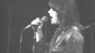 Linda Ronstadt - Heart Like A Wheel - 12/6/1975 - Capitol Theatre (Official)
