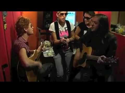 video 2010 musica - Jolaurlo - Mi Ami (cccp) - live suburbana tv