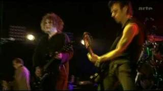 The Cure - Fascination Street (Live 2005)