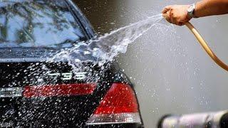 ► Как правильно мыть машину! Мастер класс от женщины(Женщина показывает как правильно мыть машину с приколом! Мастер класс от женщины! Учитесь мужики :) Подписа..., 2015-08-01T16:17:40.000Z)