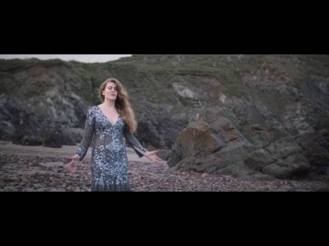 Leena Voxx - Paper Heart (Official Video)