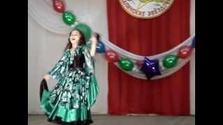 Девочка красиво танцует цыганский танец(Танцует Саида, 8 лет. Занимается танцами недавно 1,5 года. Хореограф и постановщик танца Саяпова Эльмира г...., 2012-07-16T04:57:55.000Z)
