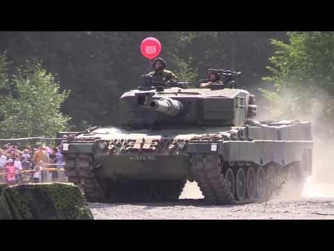 Puolustusvoimat 100  taistelunäytös