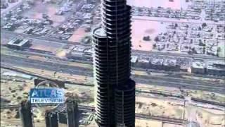 les grues  pour la construction de la tour Burj khalifa a  Dubai (cranes kran)