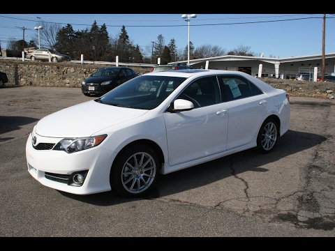 2014 Toyota Camry SE Review and Test Drive