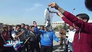 طلاب جامعة الفيوم يحرقون العلم الإسرائيلى.. فيديو وصور