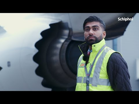 Behind the scenes: Aviation Security Agent
