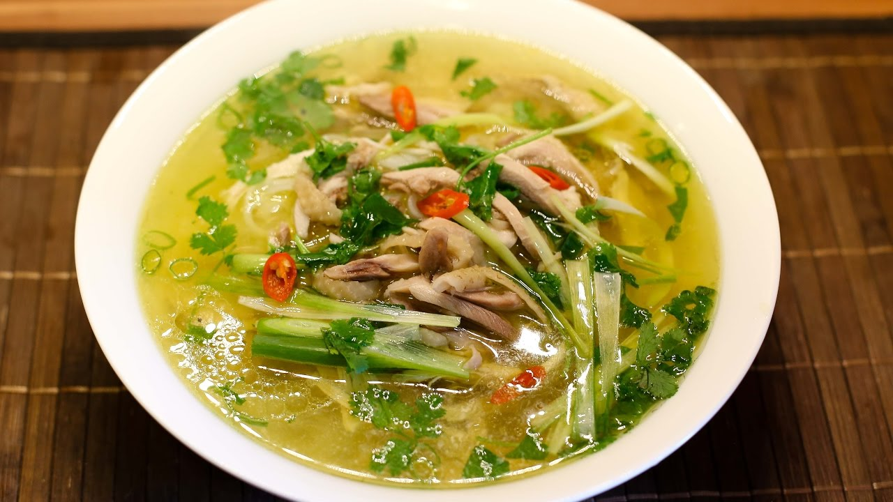 PHO GA - Vietnamese Chicken Noodle Soup - YouTube