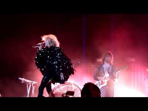 Goldfrapp - Alive (Oxegen 2010) [HD]