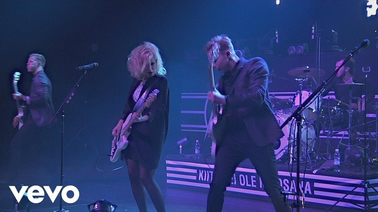 Haloo Helsinki! - Beibi - Logomo Live 25.10.2014 - YouTube