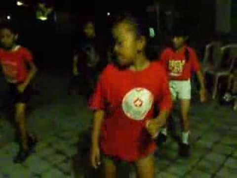 Hanson Dance - At Dewata kos kosan Bali, Denpasar (17 August 2013)
