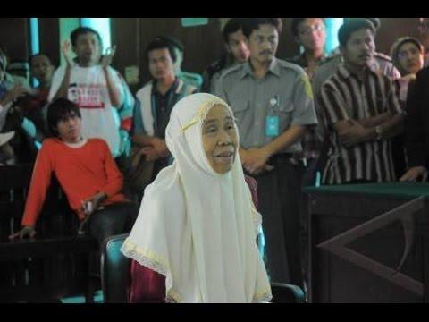 Kisah Sedih Nenek Mencuri Singkong Karena Kelaparan dan Hakim Menangis Saat Jatuhkan Vonis Mp3