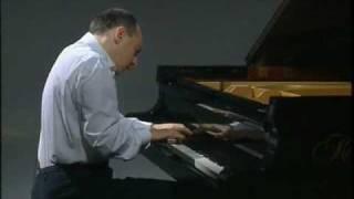 """Filippo Faes plays """"Traumes Wirren"""" (Schumann)"""