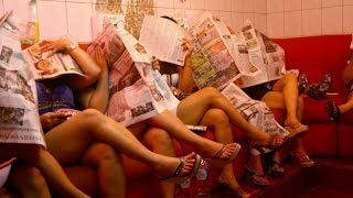 Mengintip Kehidupan Kupu - Kupu Malam [Gang Dolly - Surabaya]