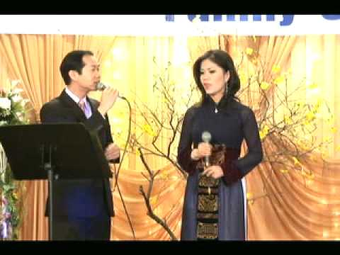 BS Andy and Thuy Diem trinh dien tai Xuan Family Choice 3-2009