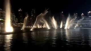 Dubai Fountain is dancing w/ a nice Chinese song