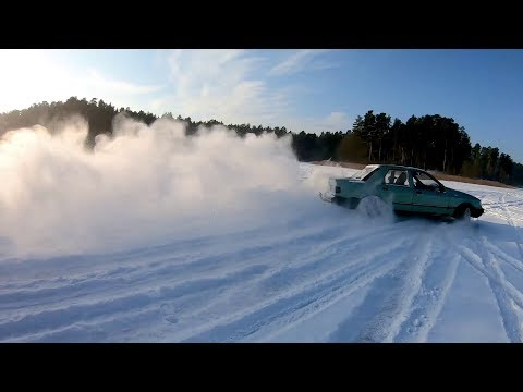 Ford Sierra Drifting With Other Winter Beaters On Ice!