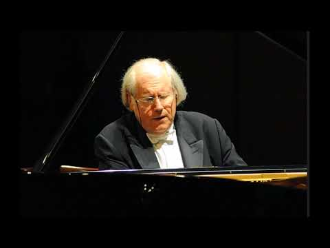 Grigory Sokolov plays Haydn sonatas no.32,47&49 (2018 Munich)