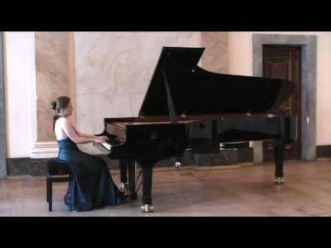 Anna Miernik plays DEBUSSY -  ESTAMPES La Soiree dans Grenade