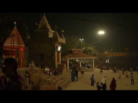 Varanasi - evening life at the River Ganges - 4K