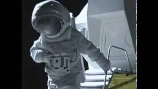 Lucu, Astronot Ketinggalan HandPhone Ketika Diluar Angkasa