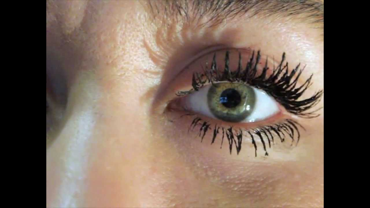 How To Make Your Eyelashes Look Bigger The Clumpy Spider Eye Look
