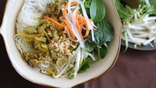 Bun Thit Bo Xao (vietnamese Stir-fry Beef With Vermicelli Noodles)