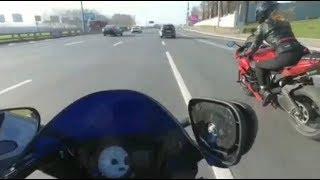 по пути в мак #мототаня девушка на красном мотоцикле
