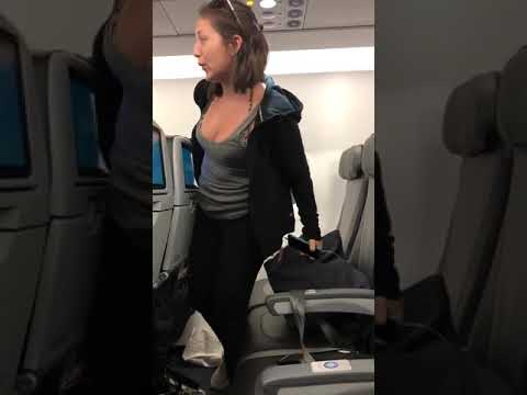 Kelsi - Drunk Florida Woman Blows Kiss As She Gets Kicked Off JetBlue Flight