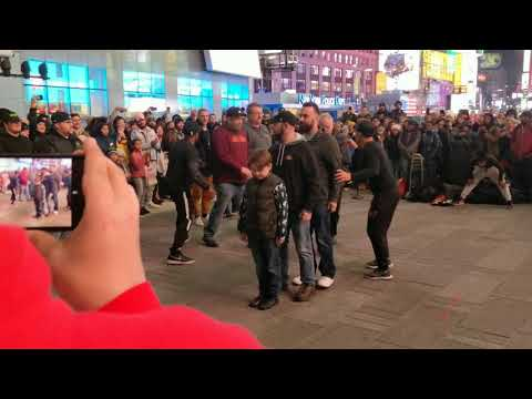 STREET PERFORMANCE AT TIMES SQUARE NEW YORK CITY (4K)