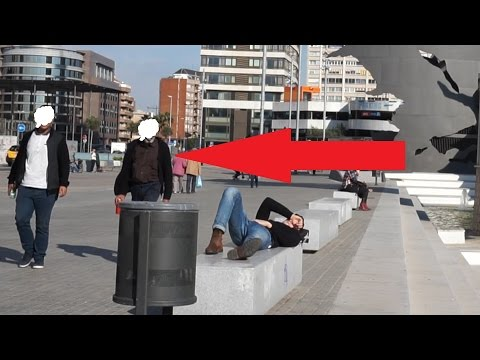 They tried to STEAL my Camera while timelapsing in Barcelona / Caught them Red Handed !